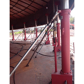 Hydraulic jacking system, used for tank construction